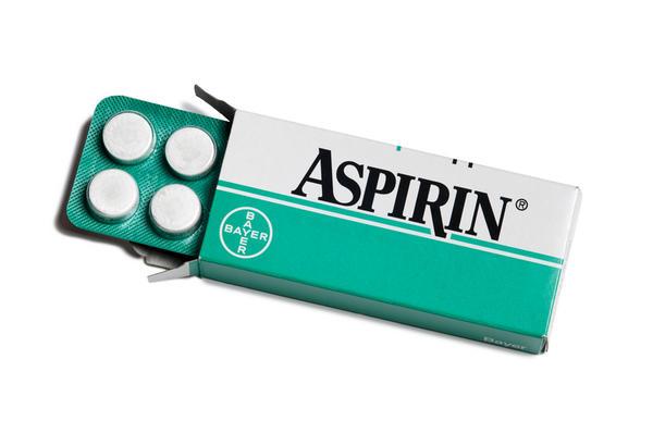 Câu hỏi 53: Tôi bị bệnh động mạch vành, bác sỹ nói cần dùng aspirin suốt đời. Như vậy có nguy cơ gì không?