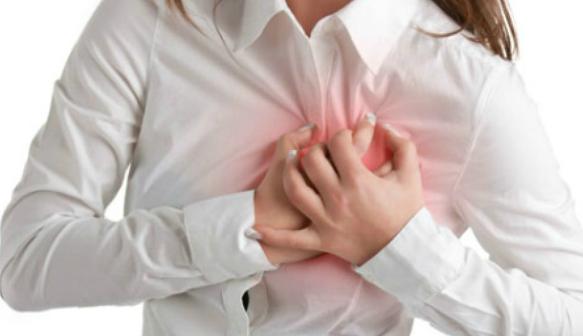 5 Bước sơ cứu cho người bị đau tim đột ngột