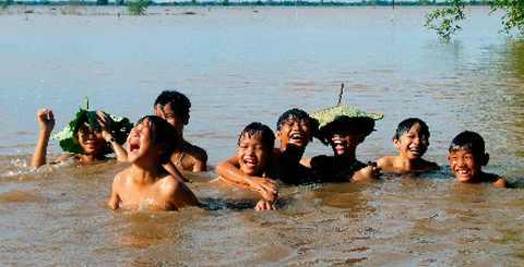 9 điều gia đình cần biết để trẻ không bị đuối nước dịp hè